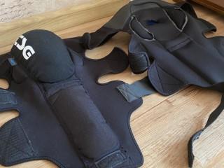 Защита колена и голени TSG (новая)