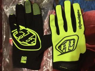 Перчатки Troy Lee Designs Air M (новые)