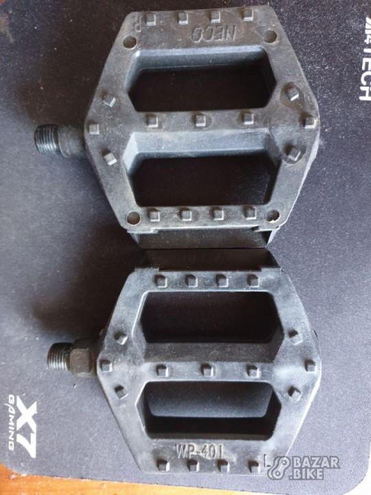 Педали Neco WP-401 пластиковые