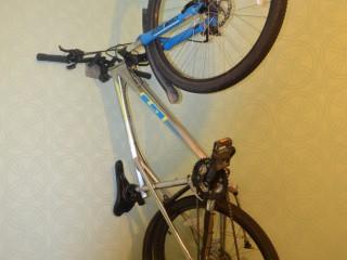 Кронштейн для хранения велосипеда за руль (новый)