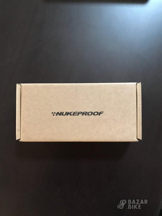 Грипсы Nukeproof Neutron Knurled Lock On (новые)