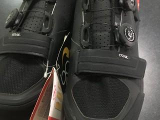 Велотуфли контактные Specialized S-Works Trail 44EUR (новые)