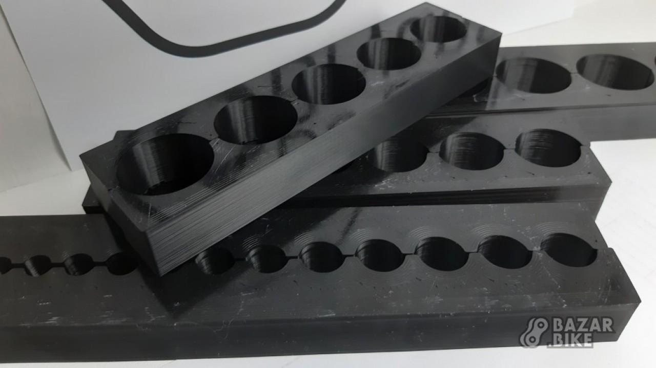 Комплект зажимов для штоков амортизаторов и вилок