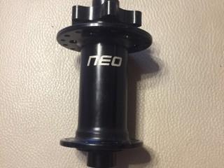 Втулка передняя Stans Neo 32h 110×15мм