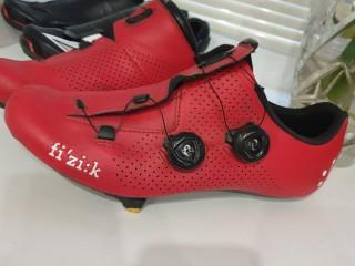 Шоссейные туфли Fizik R1 EUR43