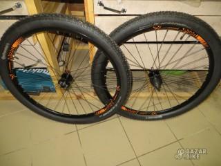 Вилсет 29 Jalco XCD 22 100x15/135xQR + покрышки